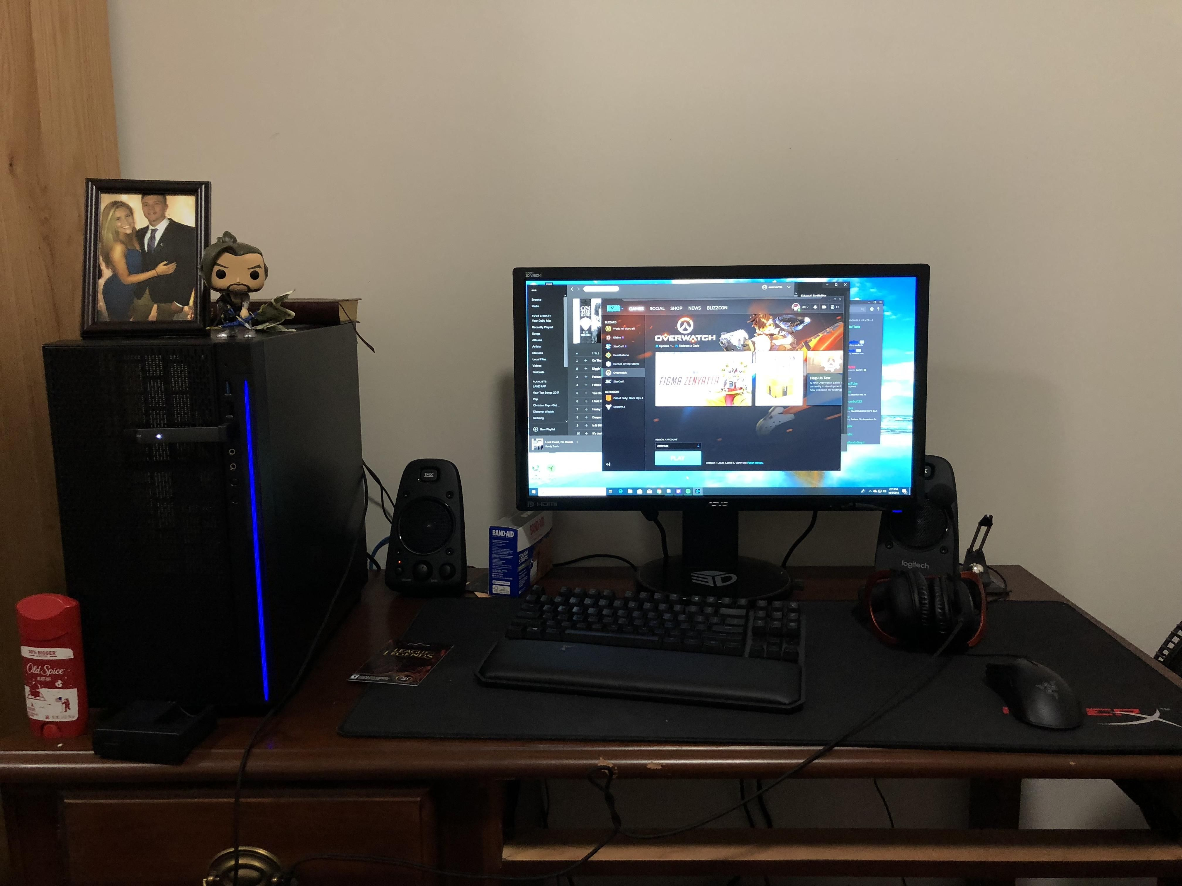 Pretty Solid For A Dorm Room Video Game Rooms Computer Setup Laptop Gaming Setup