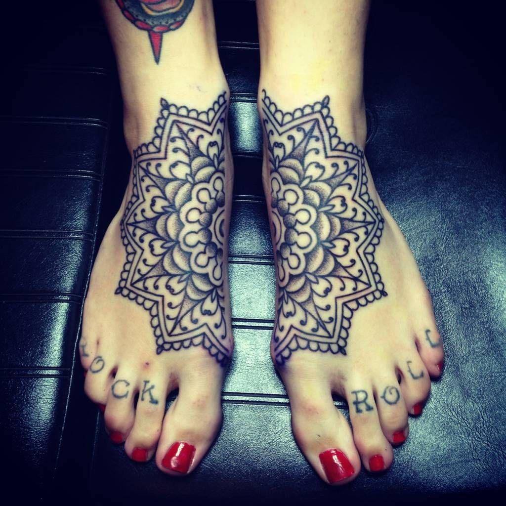 60 Amazing Foot Tattoos: 50 Amazing Connecting Tattoos