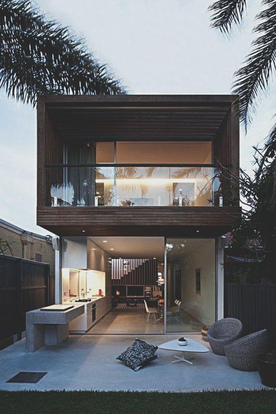 Estilo de casa moderno con mucho ventanal casas de campo for Fachada de casas modernas con vidrio