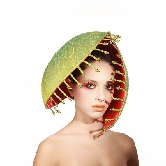 Übergroße Venus Fliegenfalle Kopfschmuck, Rohseide Fascinator #fascinatorstyles