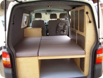 bett aufgebaut t5 campervans pinterest aufzubauen. Black Bedroom Furniture Sets. Home Design Ideas