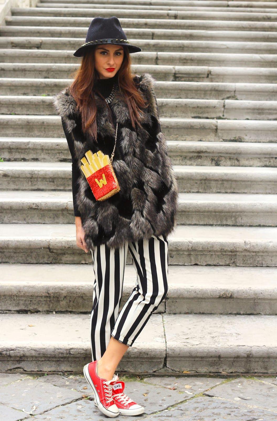 http://www.mariezamboli.com/2014/01/il-mio-outfit-con-borsa-stravagante.html  #stripes #outfit #converse #borsalino #furvest #pellicciaeco #invernale #outfitinvernale #winteroutfit #sportychic #chic #frenchfries #borsedivertenti #unique #unquebag #uniquestyle #italian #italiangirl #italianstyle #beautifulgirl #love #girl #beauty #tutorial