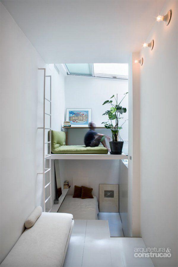 kleine wohnung einrichten die raumh he benutzen und platz sparen m bel betten pinterest. Black Bedroom Furniture Sets. Home Design Ideas
