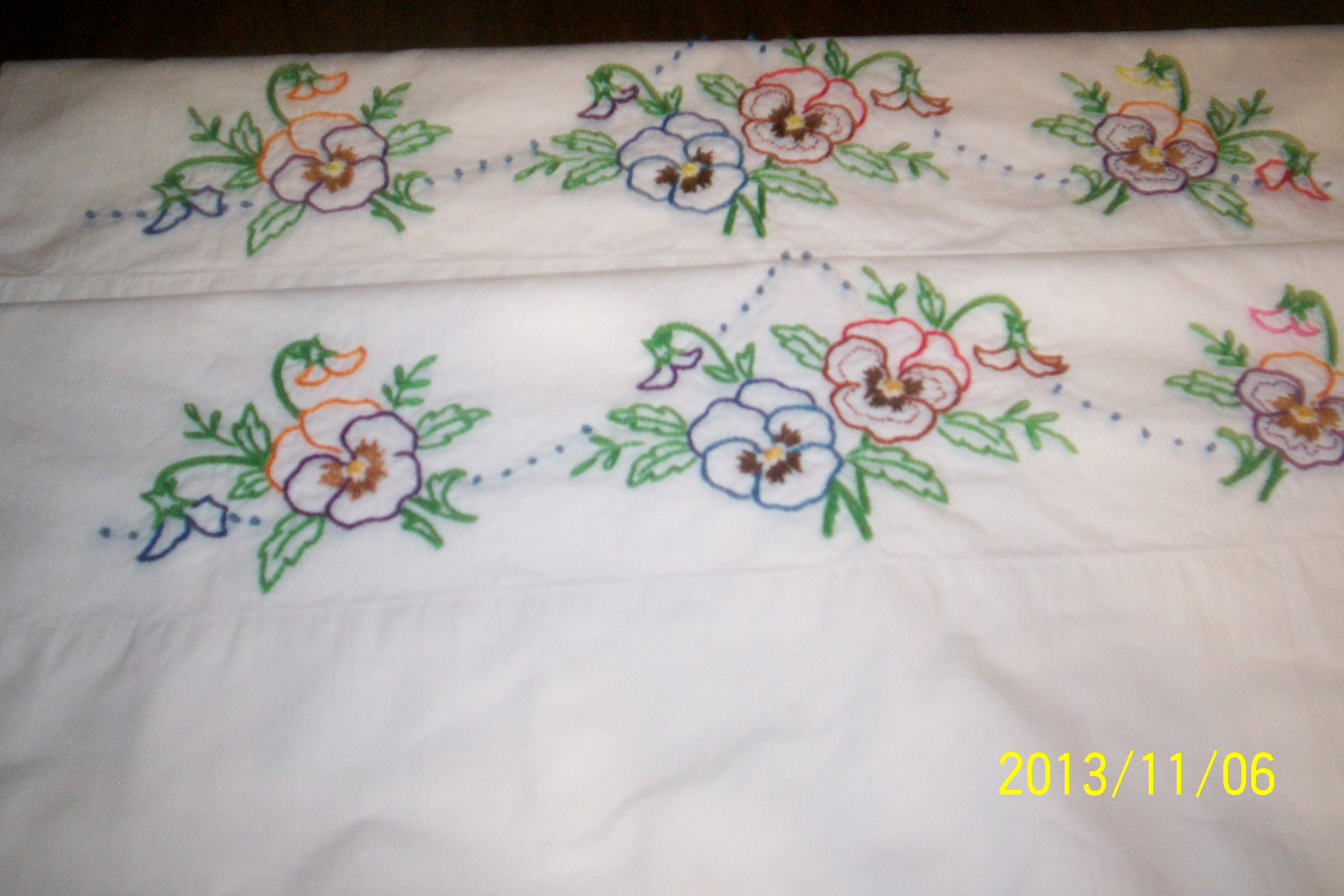 Simple hand embroidery designs for pillow covers بحث google