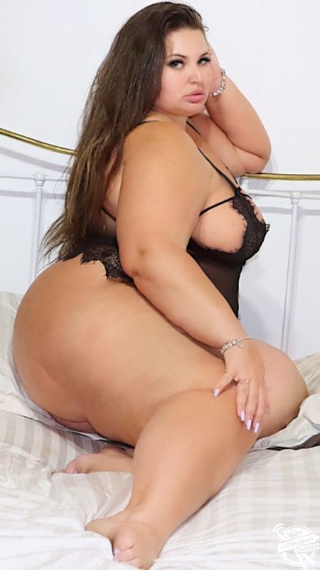 from Edgar nude plus sized moman