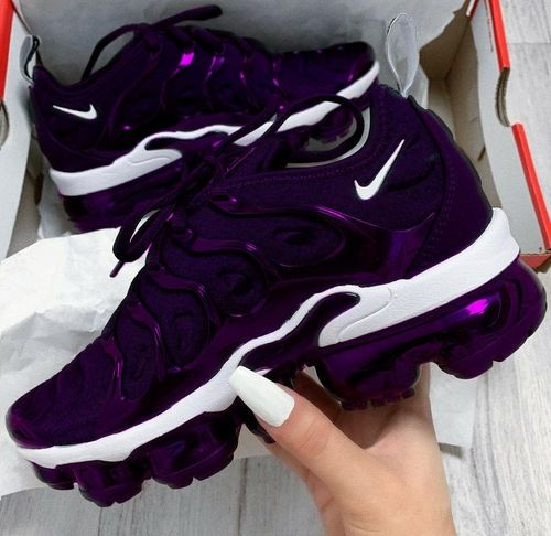 Purple shoes, Nike air shoes