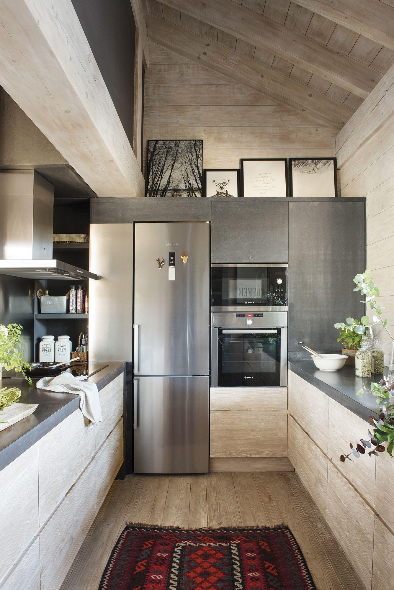 DSC20. cocina en u de una casa en la montaña (con imágenes