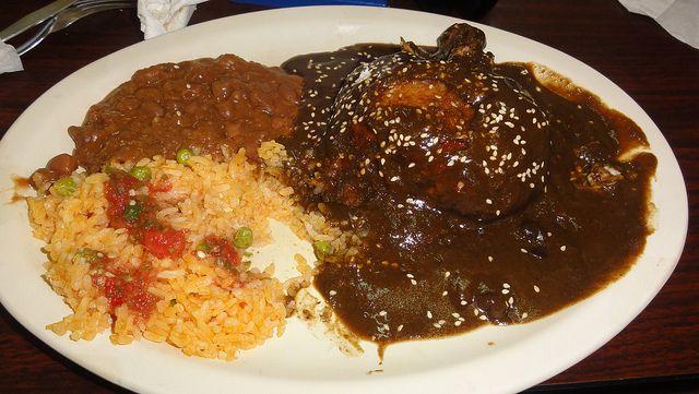 Pollo En Mole Zacatecano Mexican Food Recipes Mexican Food Recipes Authentic Cooking Recipes