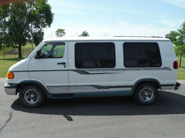 1999 Dodge Ram Van 1500 Lwb Sedalia Mo My Family Totally Had One Of These Dodge Van Van Dodge Ram Van