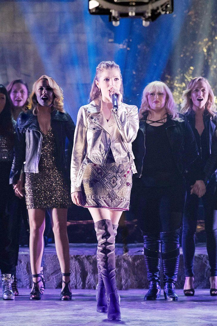 """Pitch Perfect 3 Cast Singing Sia's """"Cheap Thrills"""""""