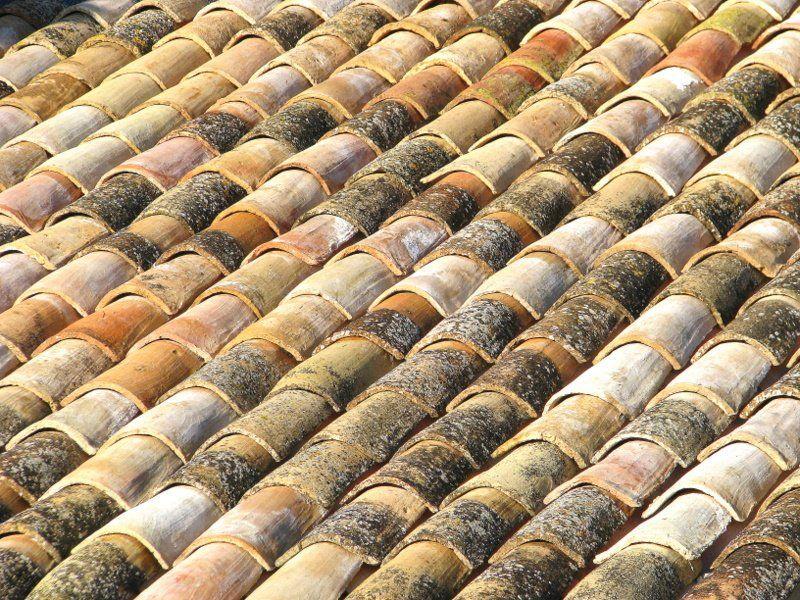 Les Tuiles Romaines Traitement Toiture Maison Provencale Terrasse Jardin
