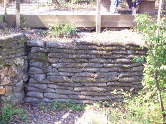 Building A Cement Bag Wall Concrete Bags Concrete Retaining Walls Retaining Wall