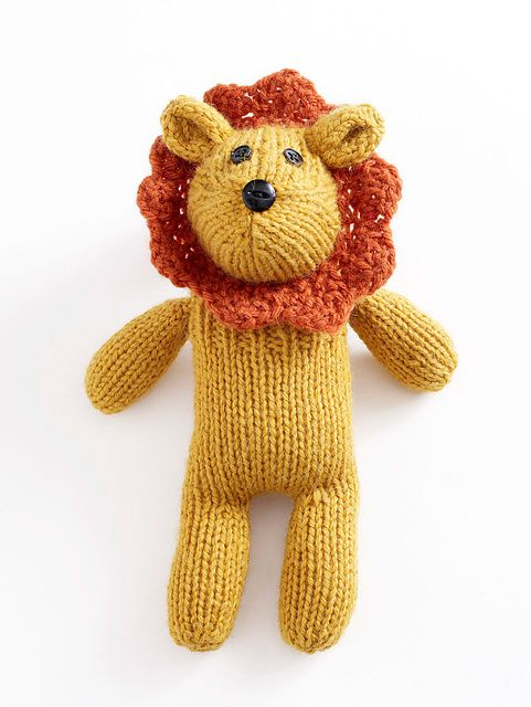 "#Free Pattern; knit; lion; I love ""The Wizard of Oz"".  This reminds me of the Cowardly Lion ~~"