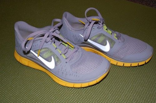 Nike Womens Running Shoes Size 7 Free Run Livestrong