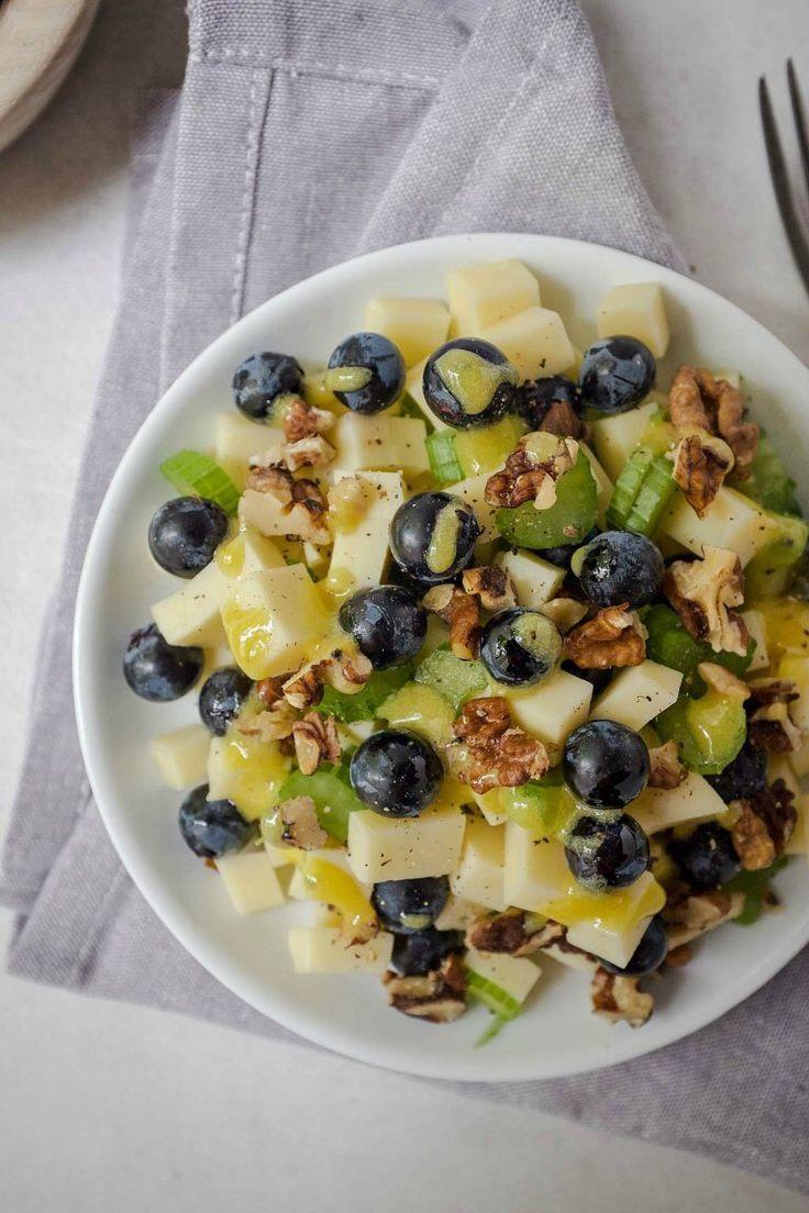 Schneller Käse-Trauben-Salat mit Walnüssen – Schnelle & einfache Rezepte