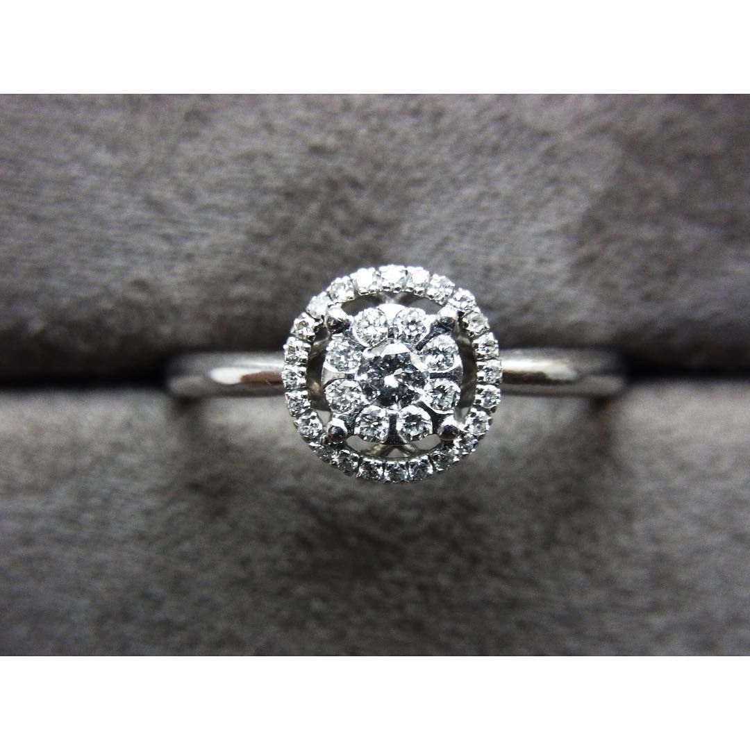 18k white gold rind with diamonds by Broggian (Italy)