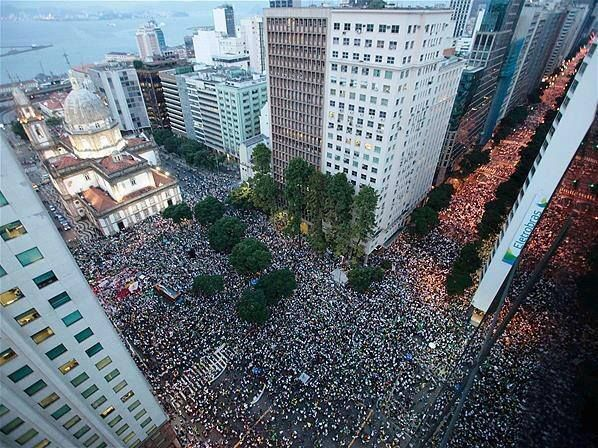 Protesto Rio 20/06/2013   #VemPraRua #OGiganteAcordou #ForaFeliciano #ForaFelicianus #ForaRenan #ChangeBrazil https://www.facebook.com/PorTrasdamidiamundial