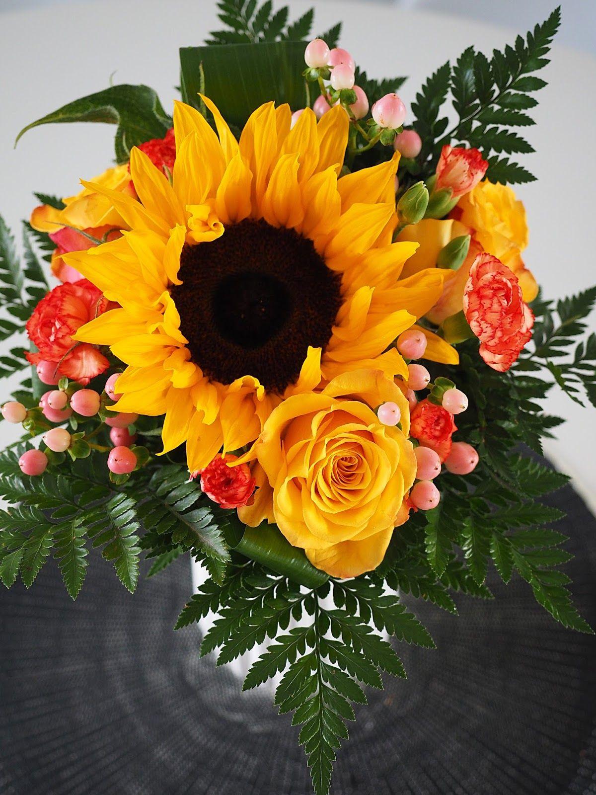 Flowers and SWEET MUD CAKE - Interior Dreams