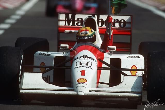 Senna Tricampeón
