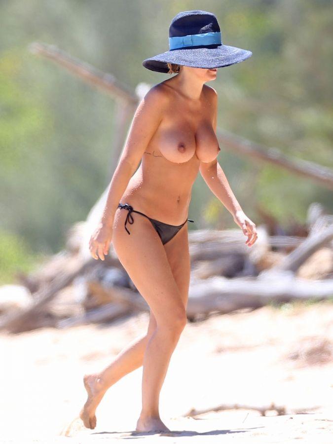 Bikini girl super