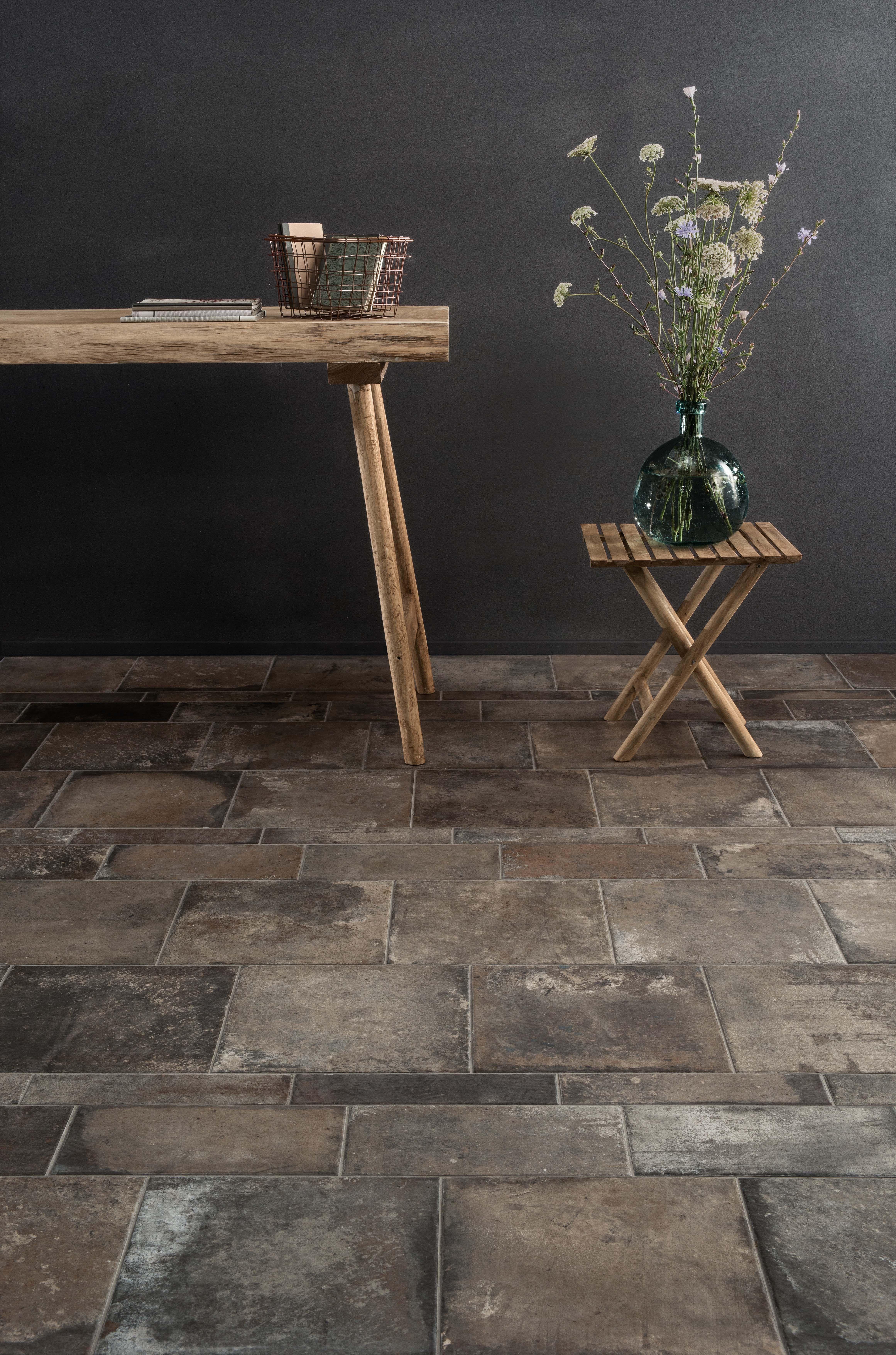 Don't like the traditional red tones of Cotta? go for something darker like this Terra Nuove Dark range from #sant'agostino #porcelain #floor #tiles #homedecor #homeinspiration