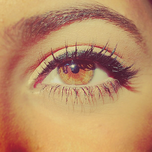 hazel eyes w/ natural eye makeup. Yes, for the summer, beachy ...