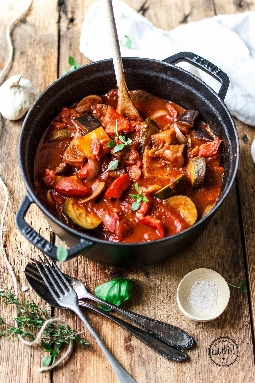 Ratatouille mit frischem Gemüse und Kräutern #veganerezeptemittag
