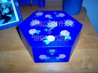 Cx Azul cobalto com rosas