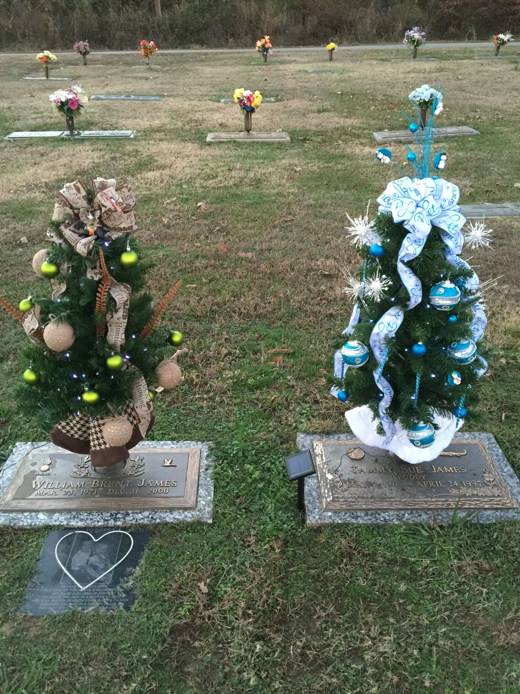 Christmas 2015 | Cemetery decorations | Cemetery decorations, Grave ...