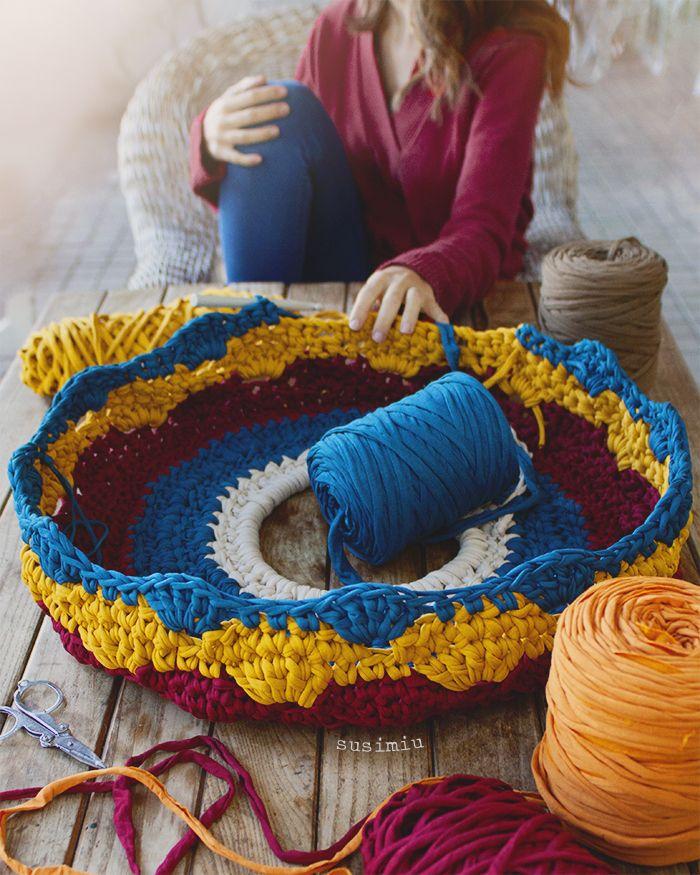 SusiMiu | Tutorial de Puff de Trapillo a crochet con punto Concha ...