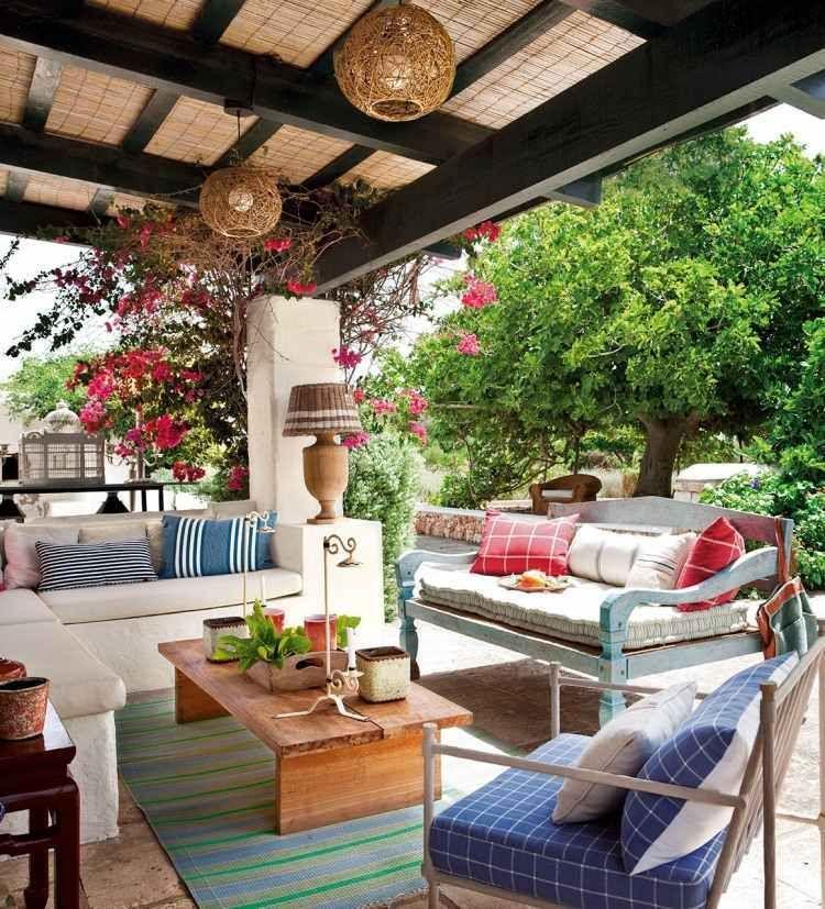 Personnaliser et am nager terrasse 26 id es de l ann e 2015 amenager terrasse style rustique - Idee deco piece a vivre ...