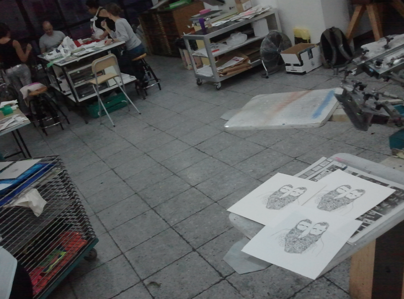 Silkscreen at Holaporque's studio
