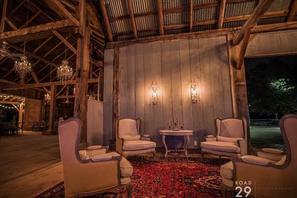 Evermore Barn Interior // #barn #rusticwedding #weddingvenue // Follow us on Instagram @thebohemianwedding
