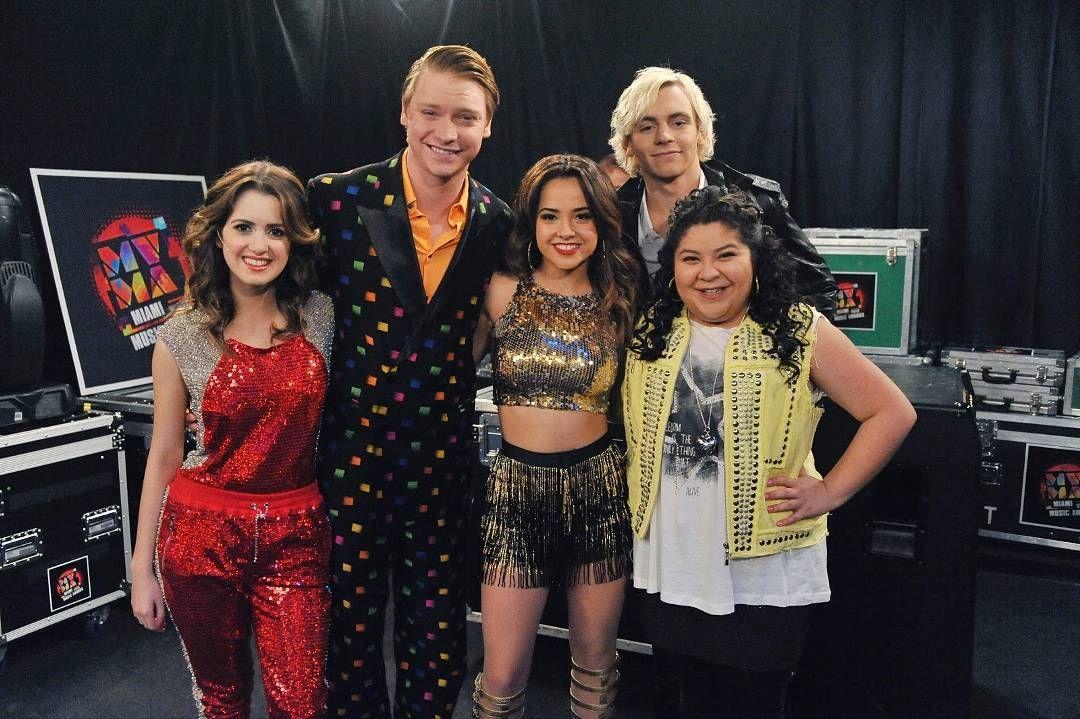 Disney Channel @iambeckyg stops by Austin & Ally. #DC2015Rewind... bedavahileler.com bedavahi...