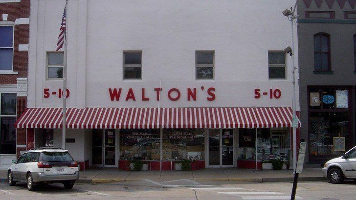 the first walmart opens in 1962 as walton u0026 39 s 5 and dime