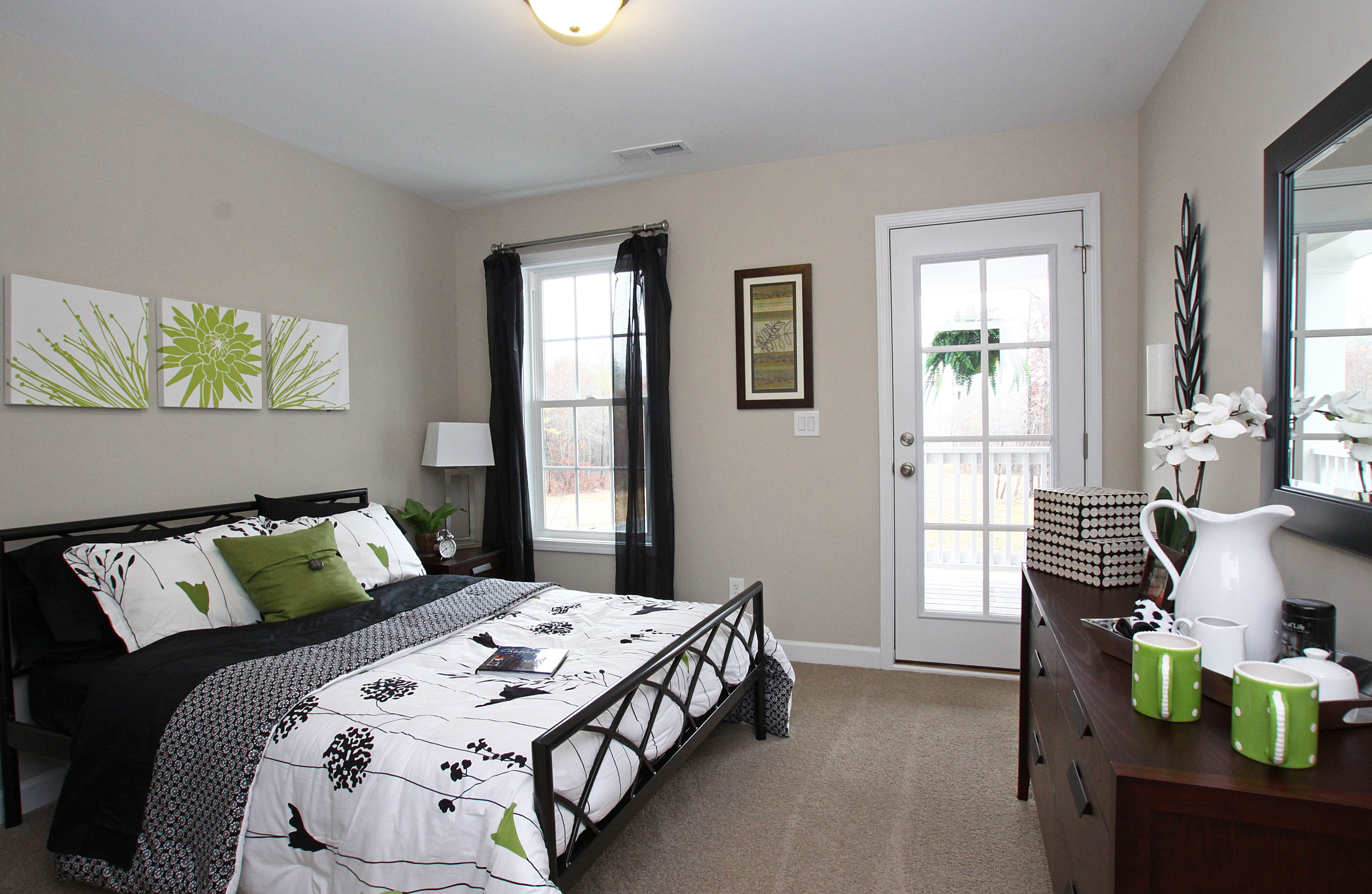best colors for small guest bedroom small bedroom pinterest rh pinterest co uk 2 Color Schemes for Bedrooms 2 Color Schemes for Bedrooms