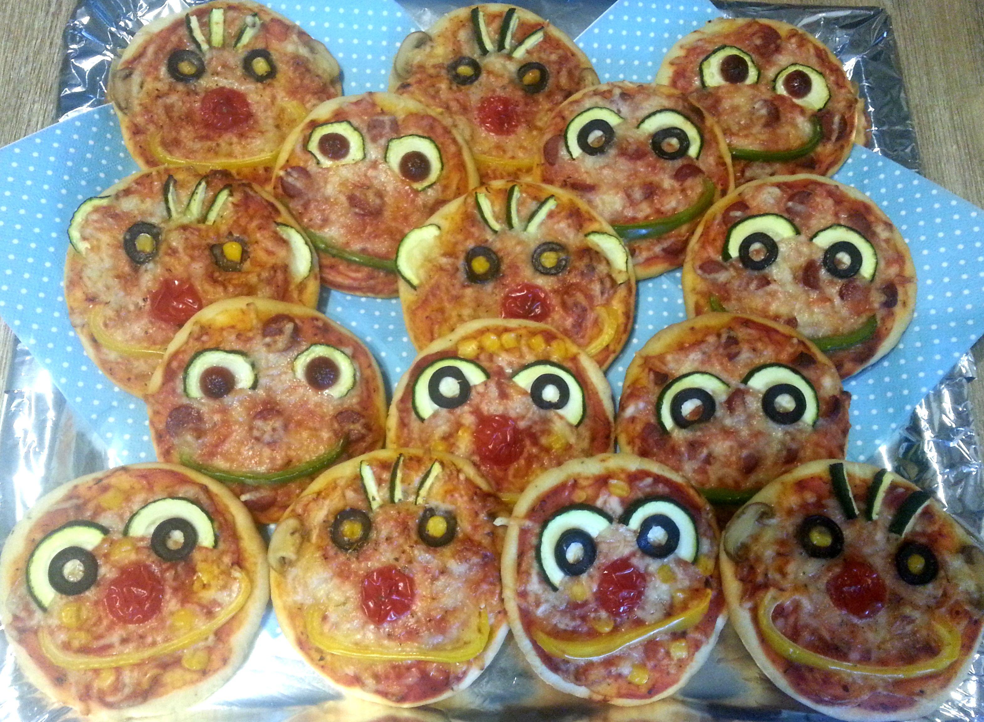 Kinderpizza... Piccolinos... Minipizza mit lustigen Gesichtern ...