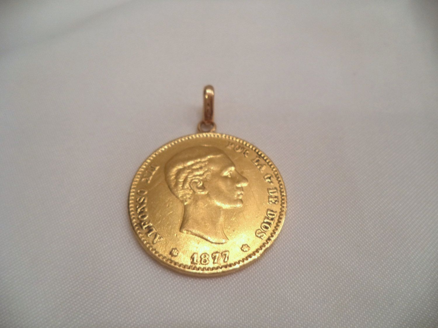 21 Karat Gold Pendant Medallion for Necklace SPAIN 1877 ALFONSO XII