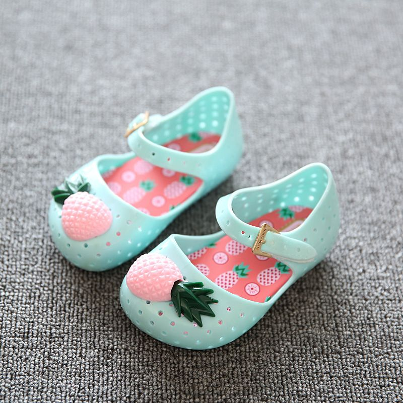 Mini sandals Children shoes 2016 Girls Summer Pineapple Shoes kids Pvc  Plastic Soft Outsole Jelly Sandals Children Shoes 24-29 f0a325c148fd