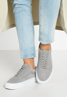 86bd7af8a0 Vans OLD SKOOL - Trainers - gray true white - Zalando.co.uk ...