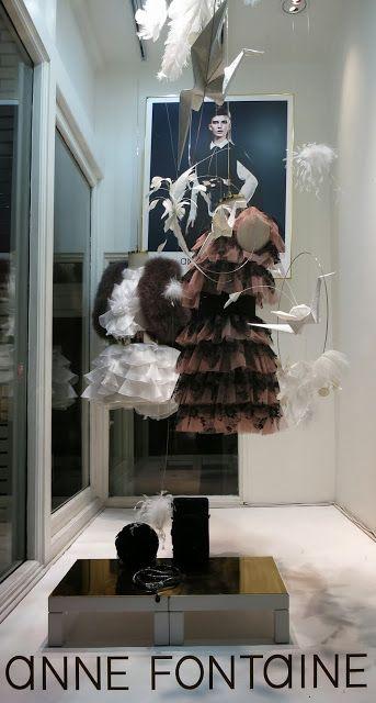 www.retailstorewindows.com: Anne Fontaine, London