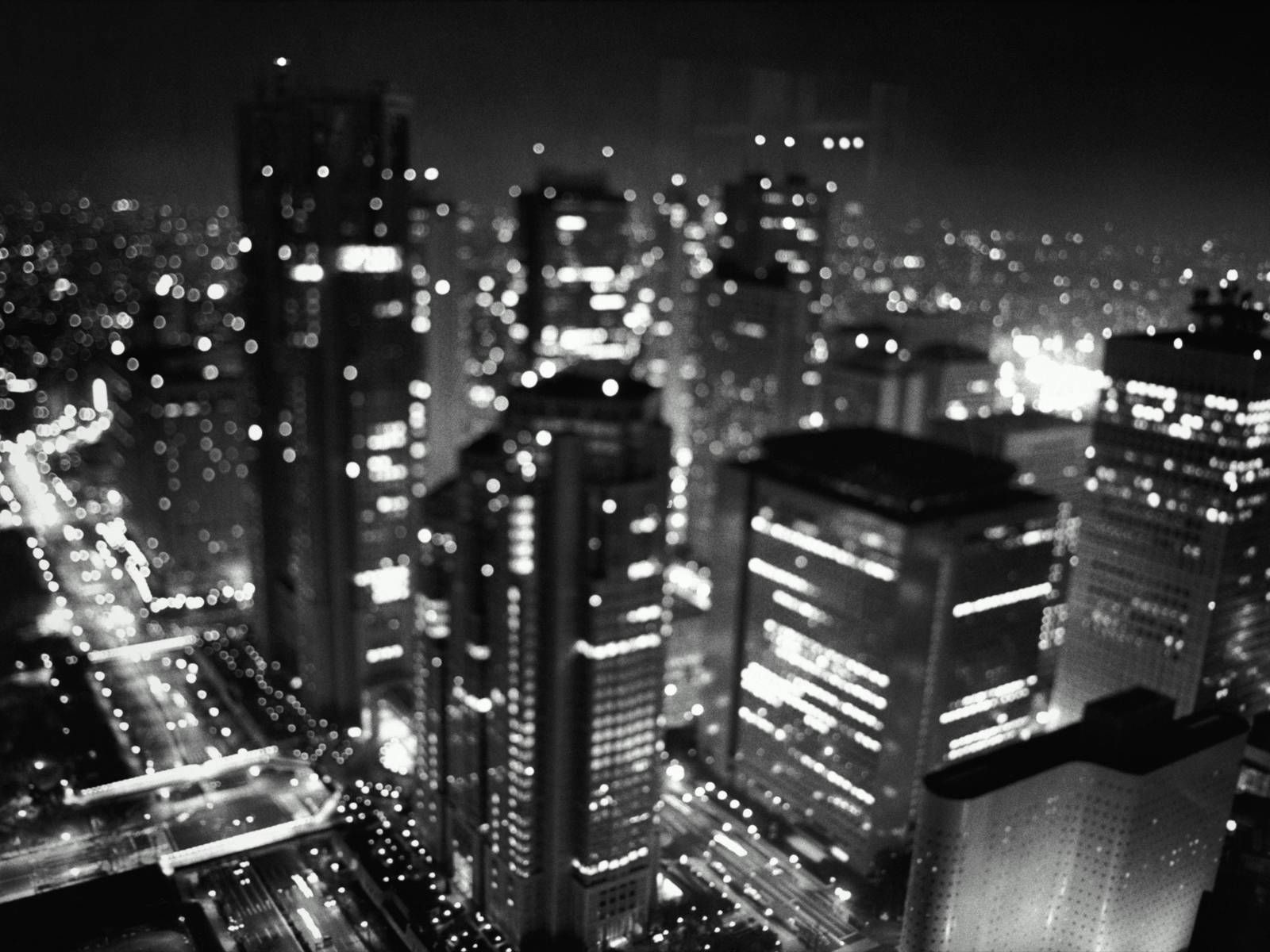Busy Night City Wallpaper Black And White Wallpaper Black And White City
