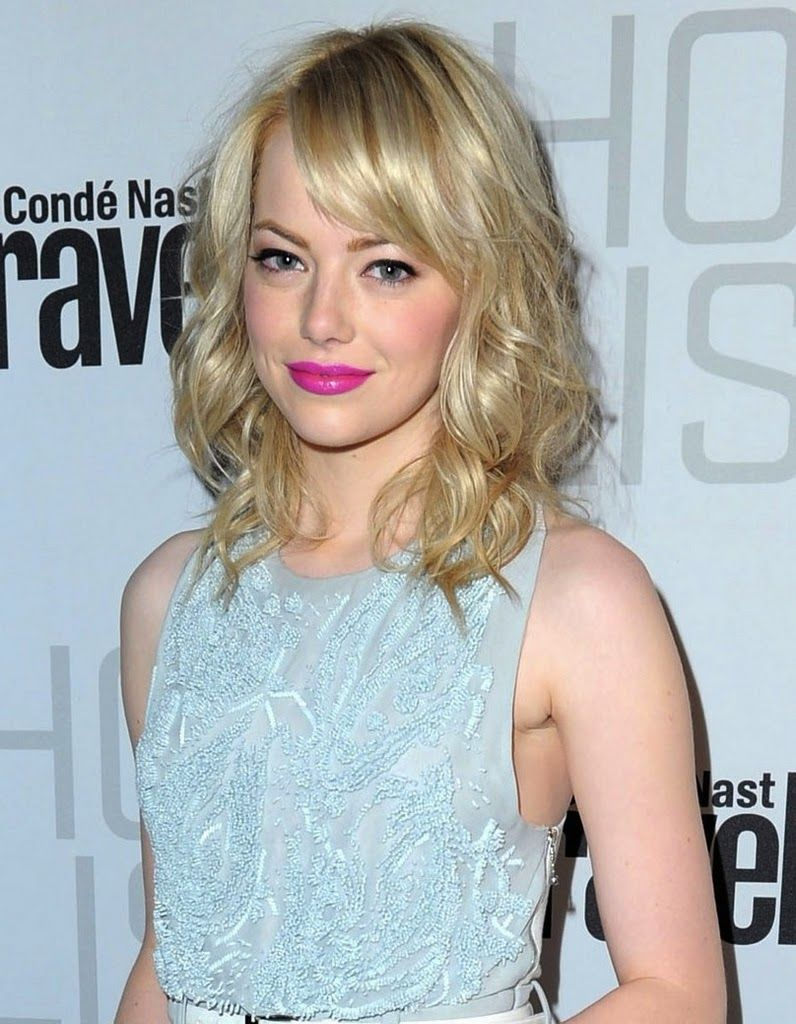 I've got a beauty crush on Emma Stone's statement making look! Take those pretty pastels up a notch by throwing in a splash of a shockingly chic color!