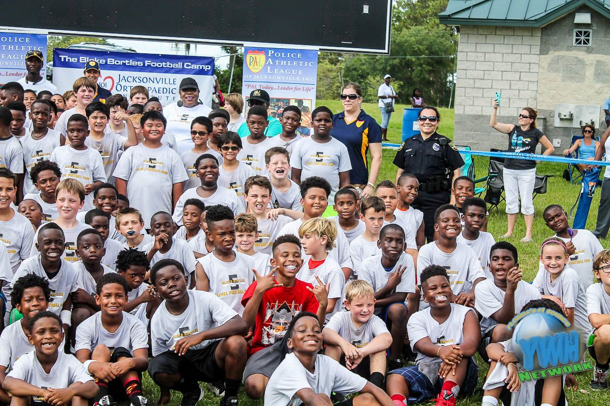 Hundreds Of Nfl Players To Host Youth Football Summer Camps And Activities In Local Communities Youth Football Football Nfl