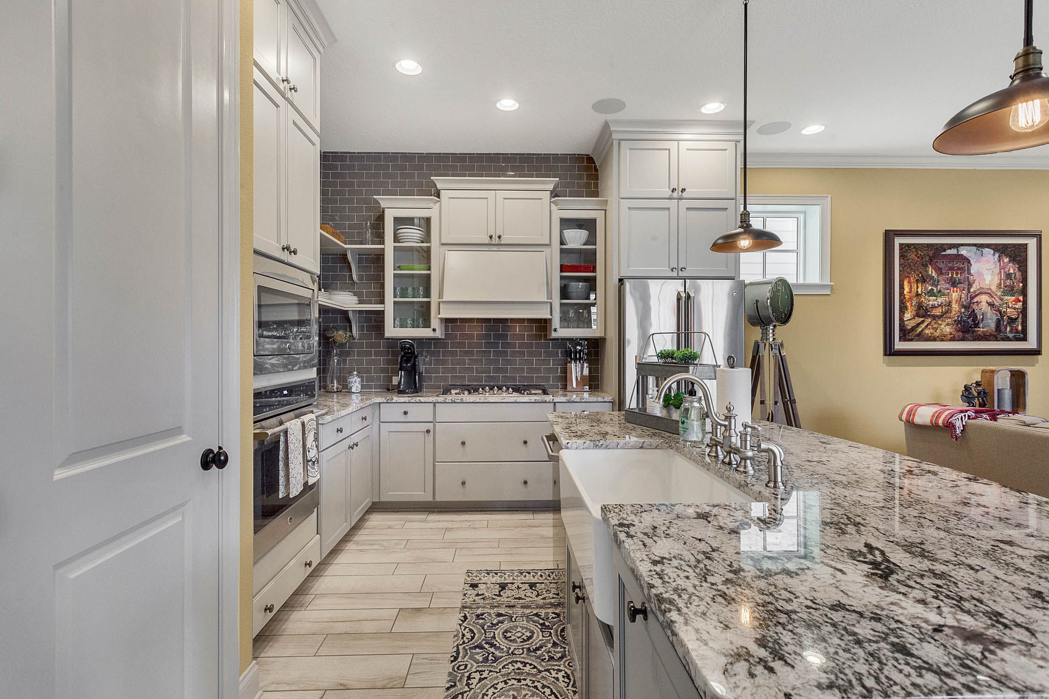 Pin By The Pozek Group On 1511 Castile Street Kissimmee Fl 34747 Kitchen Cabinets Home Kitchen