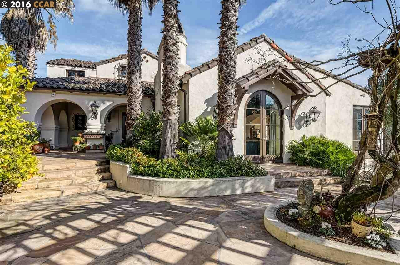 Stunning Spanish-style home overlooking the Orinda Country Club Golf Course: 160 Camino Don Miguel, Orinda, CA 94563 | Orinda, CA Real Estate | Orinda, CA Home for Sale