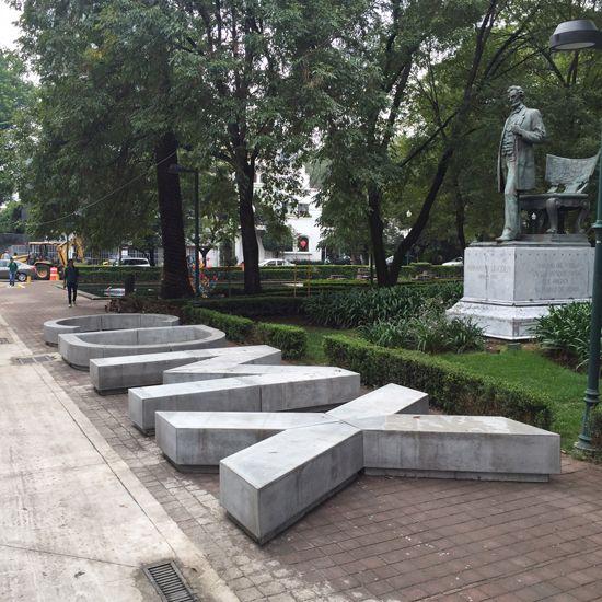El dise o arquitect nico y gr fico se funden en concreto for Mobiliario espacio publico