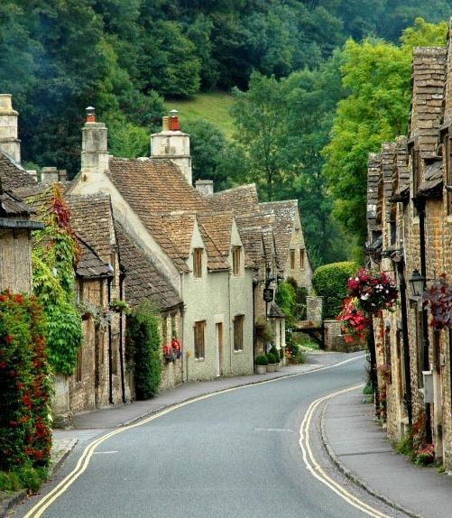Castle Combe #England #travel