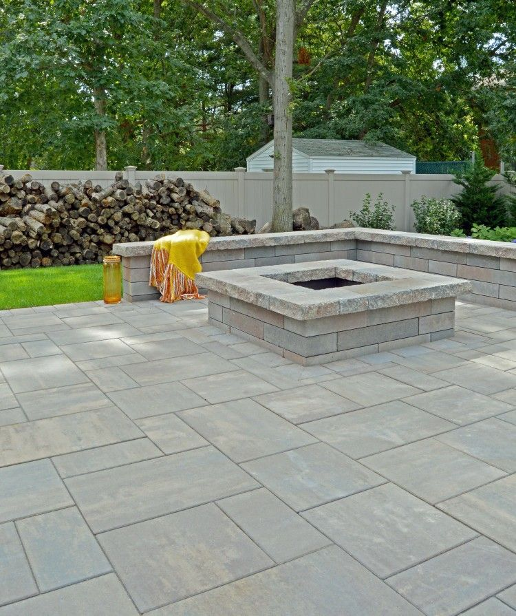 paver patio with half wall front yard pinterest half walls