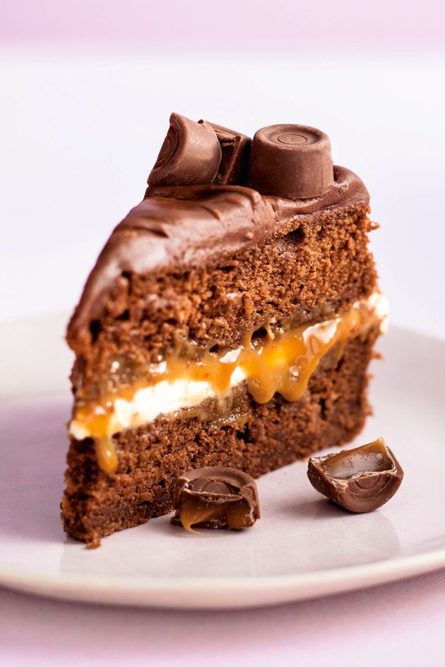 Wicked Chocolate Caramel Rolo Cake Womanhome In 2018 Yum